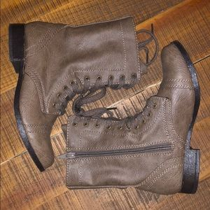 Cute taupe combat boots!